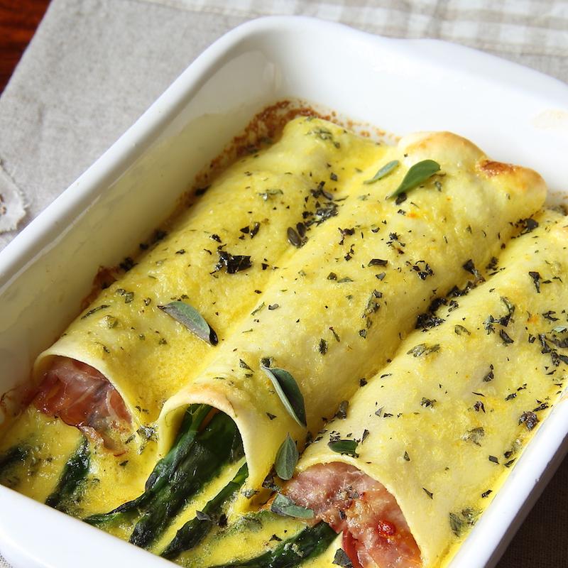 Cannelloni con asparagi e prosciutto cotto